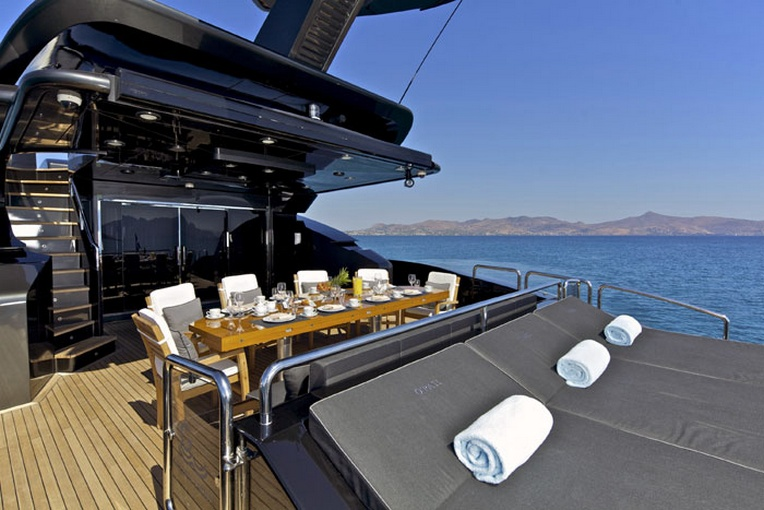 charter-goldenyachts06