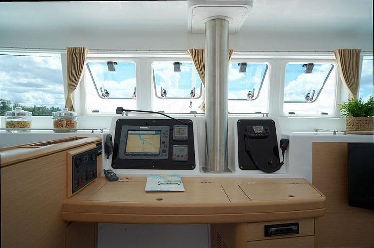 charter-lagoon50007