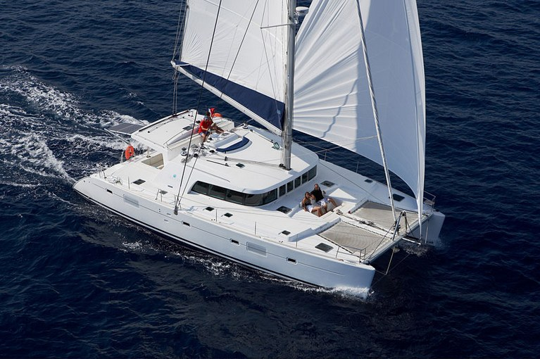 charter-lagoon50009