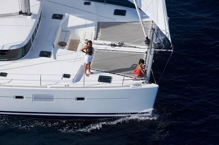 charter-lagoon50010