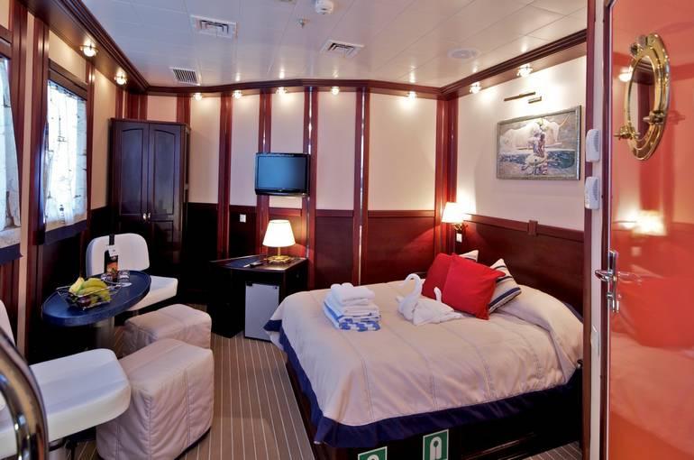 charter-sailingship102