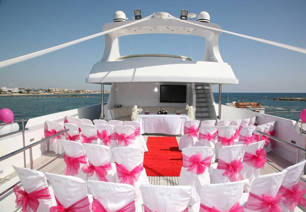 Matrimonio In Barca : Matrimonio su uno yacht am charter