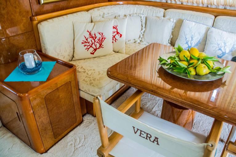 charter-Vera-03