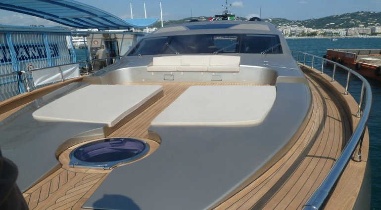 charter-jaguar76-07
