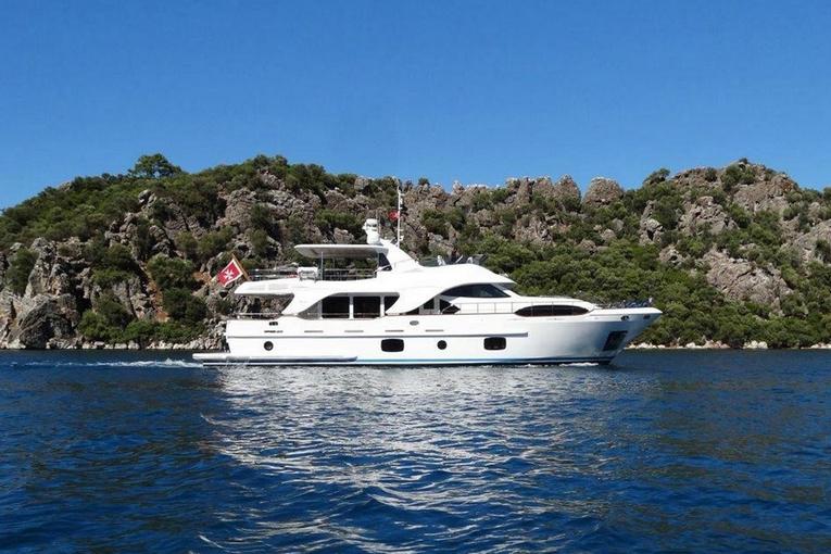 charter-rebecca-01
