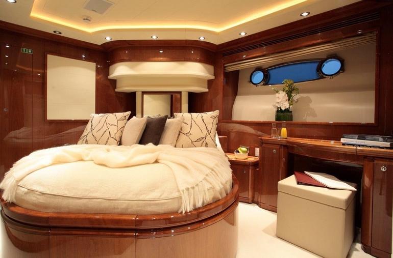 charter-queenofsheba-09
