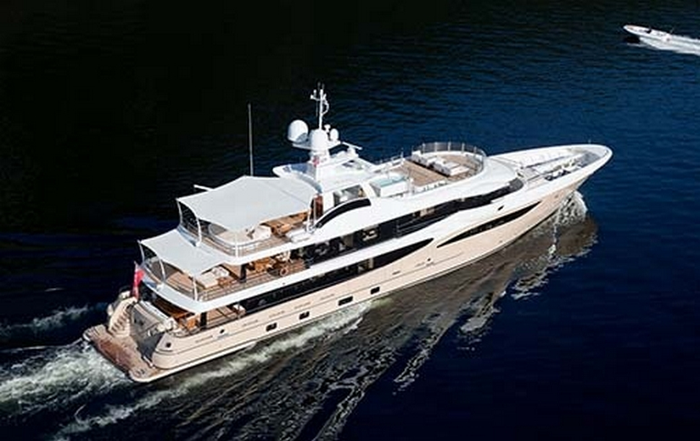 charter-lili-03