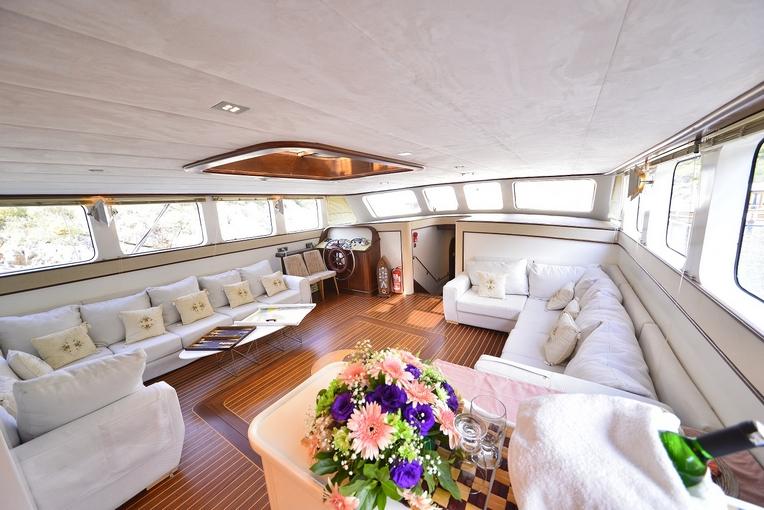 charter-lucedelmare-01