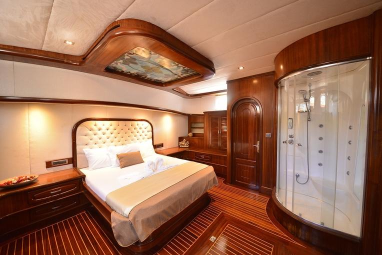 charter-lucedelmare-11