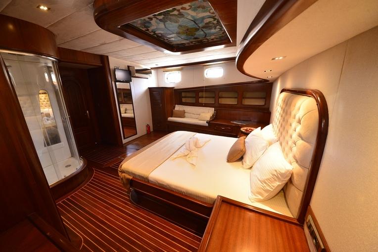 charter-lucedelmare-12