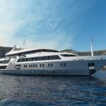 charter-Serenitysuperyacht-01